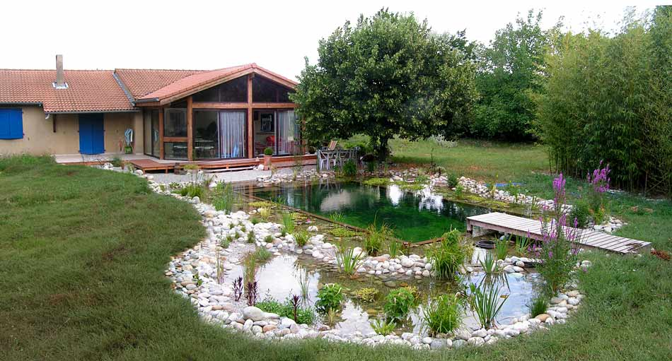 Construction de piscine naturelle en rh ne alpes lagune for Autoconstruction piscine naturelle